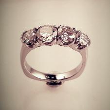 diamond/18KW ring