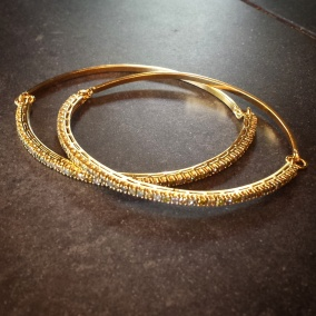 18KY/colored diamond bangles