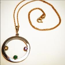 necklace shot